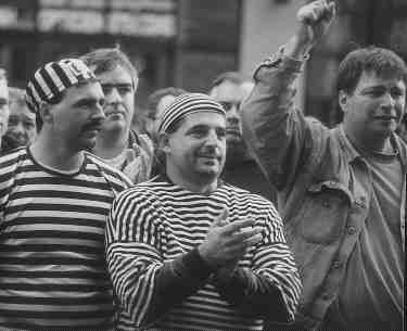 LA RESISTANCE: Quebec truckers hit the streets to show how they feel treated in 1999.