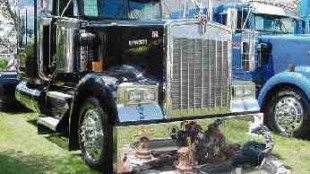 BEST O/O WORKING TRUCK: Randy Ashley and his Kenworth that came complete with a patio display