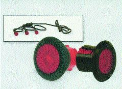 MINI: The MIni-Marker is less prone to damage. It lies flush with the trailer.