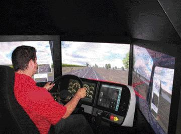 FUTURE OF TRAINING?: The ATA explored whether simulators, like this one tested by Truck News editor James Menzies, are a viable training option.
