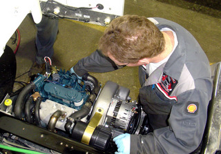 Company fleet technicians can learn how to install and do most repairs on the Willis APU under a special purchasing program available from Auxiliary Power Dynamics.