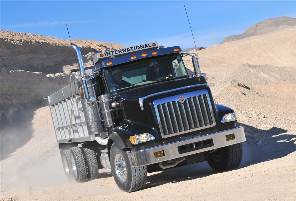 The International 5900i SBA is designed to improve driver comfort and maneuverability while tackling tough severe-service jobs.