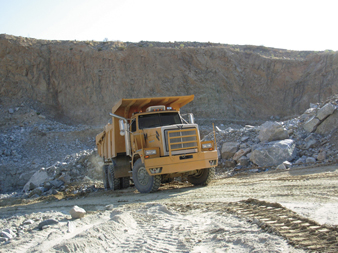 Western Star's partnership with J&J allows for improved fuel economy in heavy-duty mining applications, the companies announced.