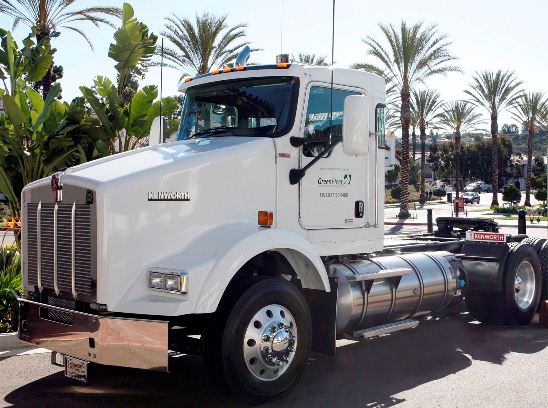 Kenworth's T800 LNG truck reduces emissions and uses a fuel that's significantly cheaper than diesel, the company pointed out at the Mid-America Trucking Show.