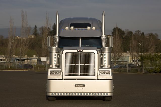 Western Star now offers what it's calling the industry's largest grille, at 1,875 sq.-in.