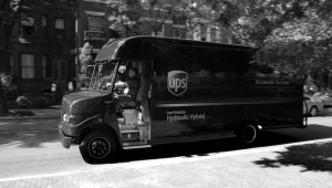 EARLY ADOPTERS: UPS is the first company to purchase hydraulic hybrid delivery vehicles such as this one.