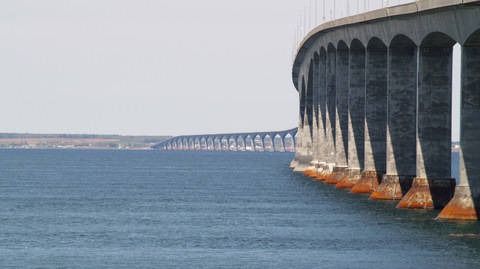 Winds gusting up to 100 km/hr closed the Confederation Bridge for a record 52 hours last week, prompting the APTA to make the case for a nearby truck stop.