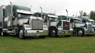 The Bakkes Trucking rigs won Best Service Vehicle, Best Tractor-Trailer Trains, Best Fleet - Flat, Float or Chassis and Best Tractor-Trailer - Tandem, Float, Flat or Curtain Side.