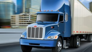 Peterbilt officials say the Model 382 boasts outstanding manoeuvrability, aerodynamic efficiency, and exceptional serviceability for shorter haul pick-up, delivery and diminishing load markets.