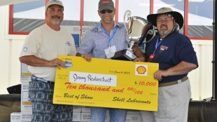 Jeremy Heiderscheit won a cheque for $10,000 as well as a place in the 2012 SuperRigs calendar.