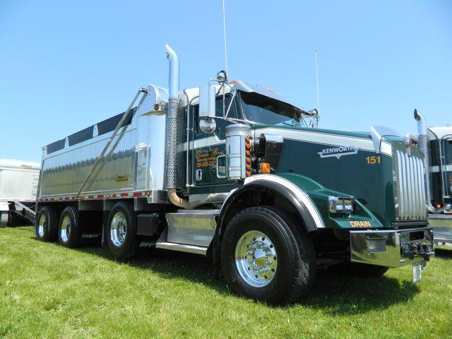 Drain Bros. won Best Fleet and Best Light Show - Fleet at the Stirling Truck Show. The Lions Choice award was a 1988 Peterbilt belonging to Henri Roy.