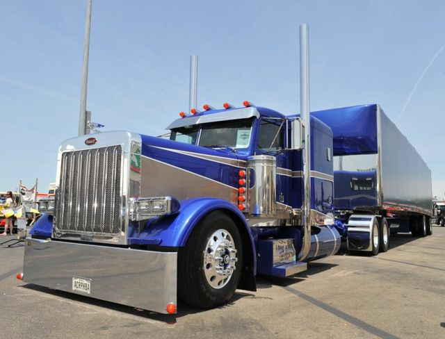 This Peterbilt won Best of Show in the 2012 Shell SuperRigs contest.