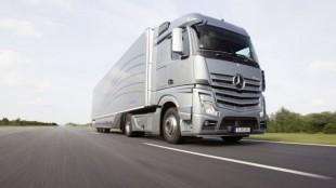 Daimler's new Aerodynamics Truck and Trailer.