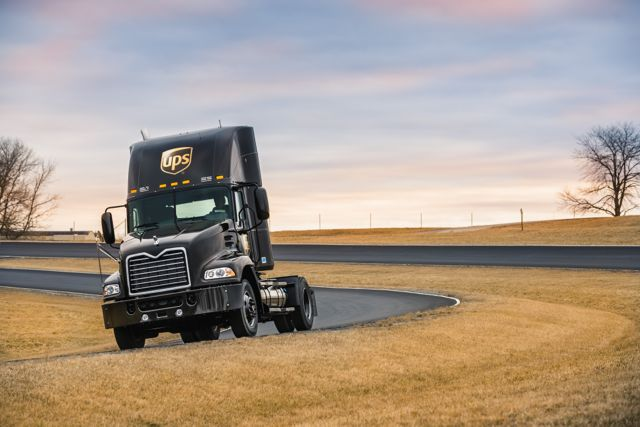 Mack is now providing UPS with natural gas-powered Pinnacles.
