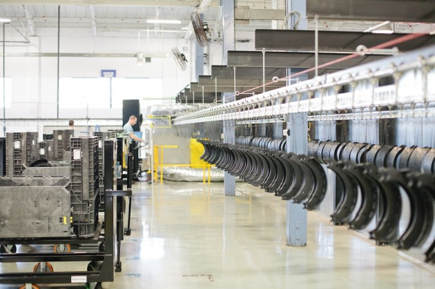 Bendix brake shoes cool down following the application of the advanced coating and the tightly controlled oven curing process that provide maximum protection against rust jacking.