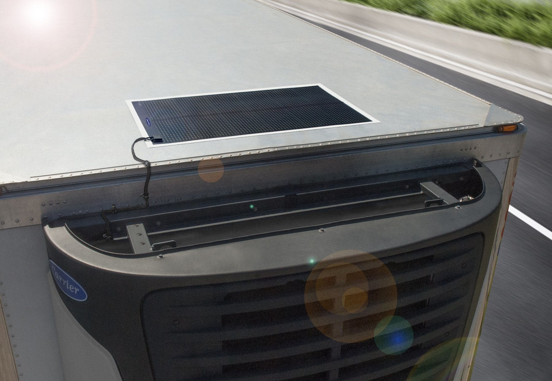 carrier using solar power to charge reefer units truck news. Black Bedroom Furniture Sets. Home Design Ideas