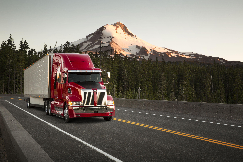 Western Star Introduces New Aerodynamic Highway Tractor