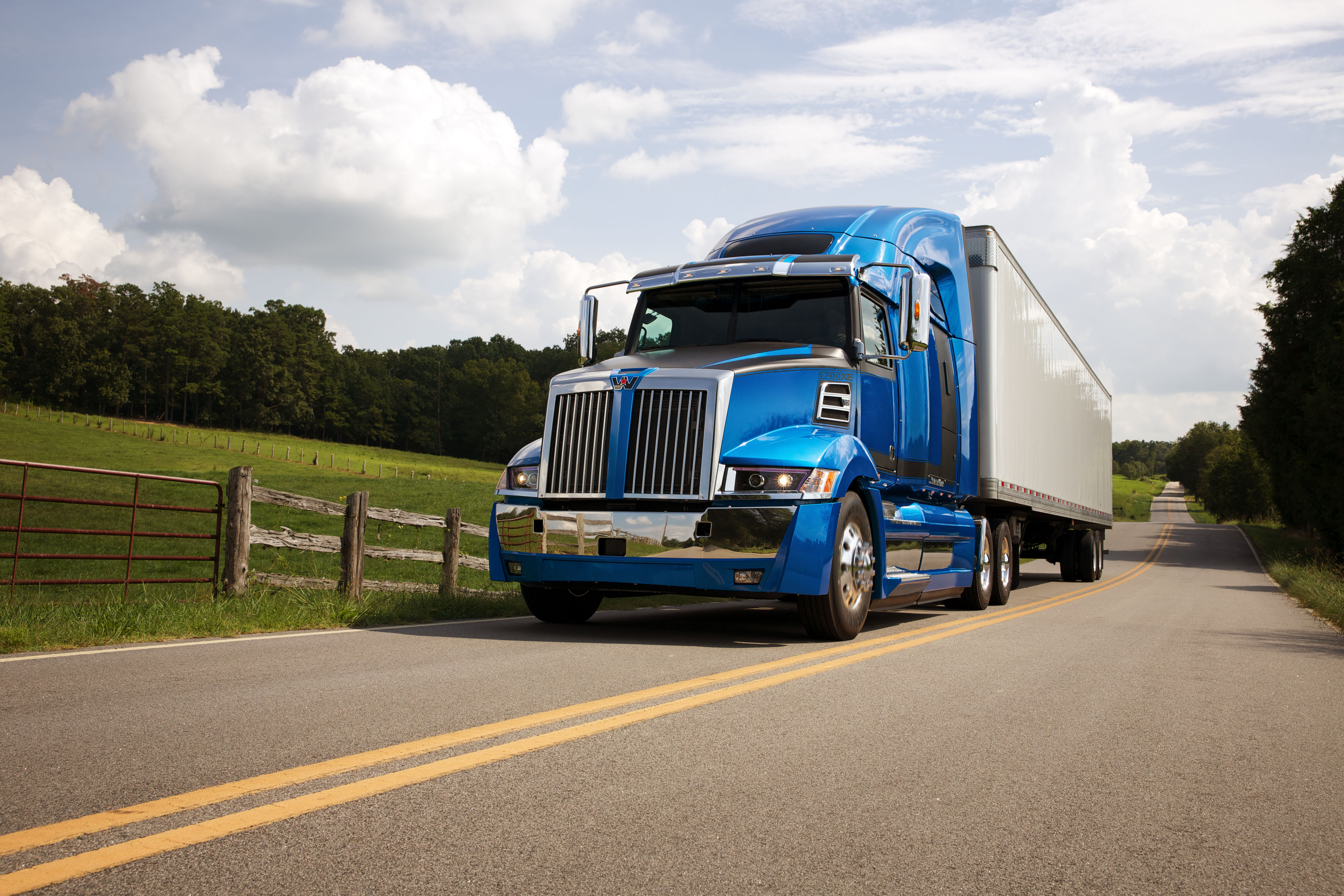 Western Star Introduces New Aerodynamic Highway Tractor