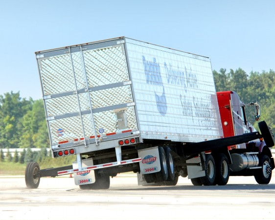 Roll stability from Bendix is now standard on the Utility 3000R refrigerated trailer.