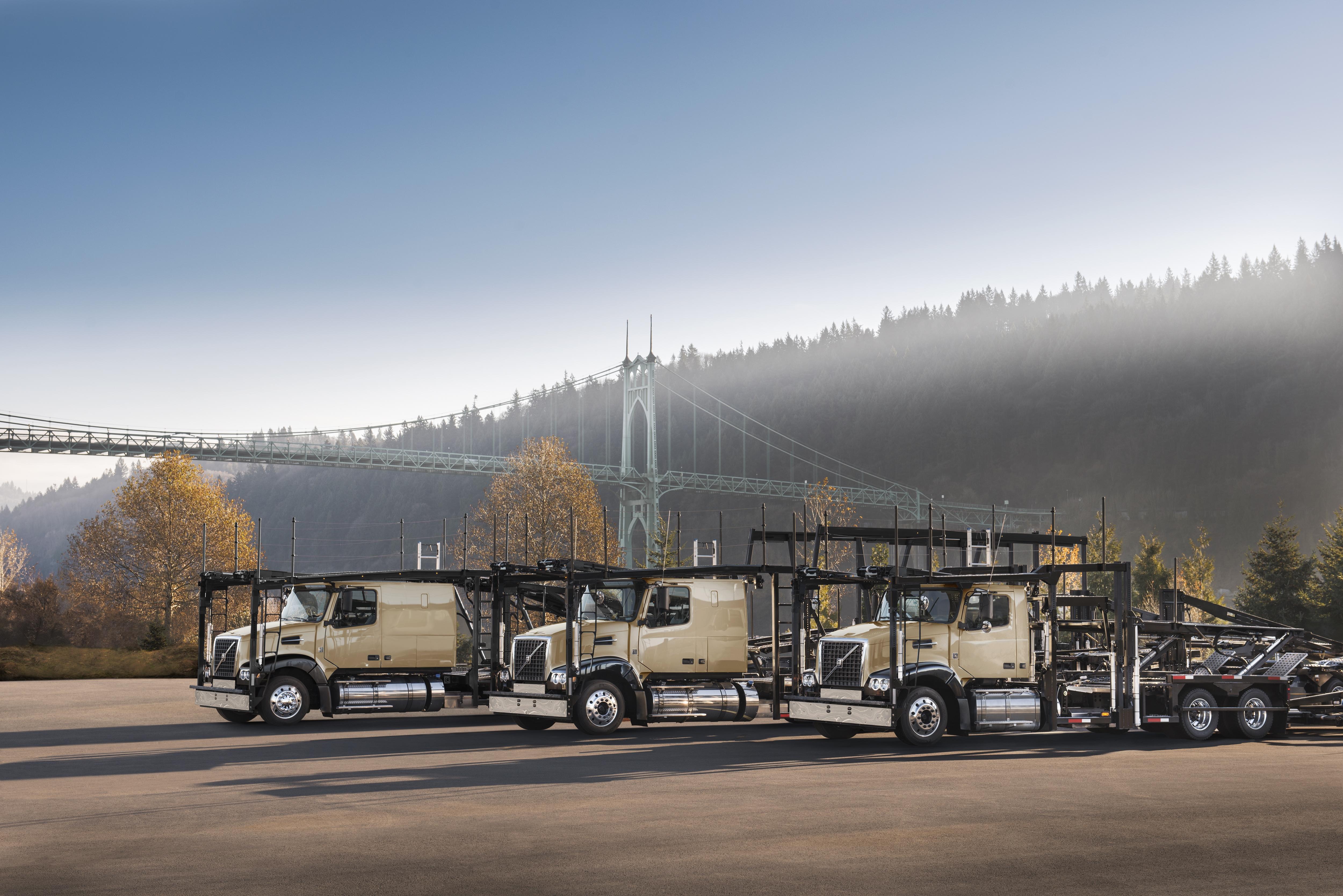 Volvo adds long-haul VAH auto-hauler - Truck News