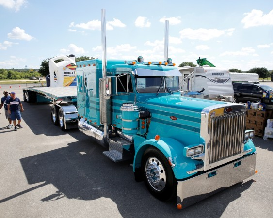 Kiegan Nelson won Best of Show for this 1985 Peterbilt 379.