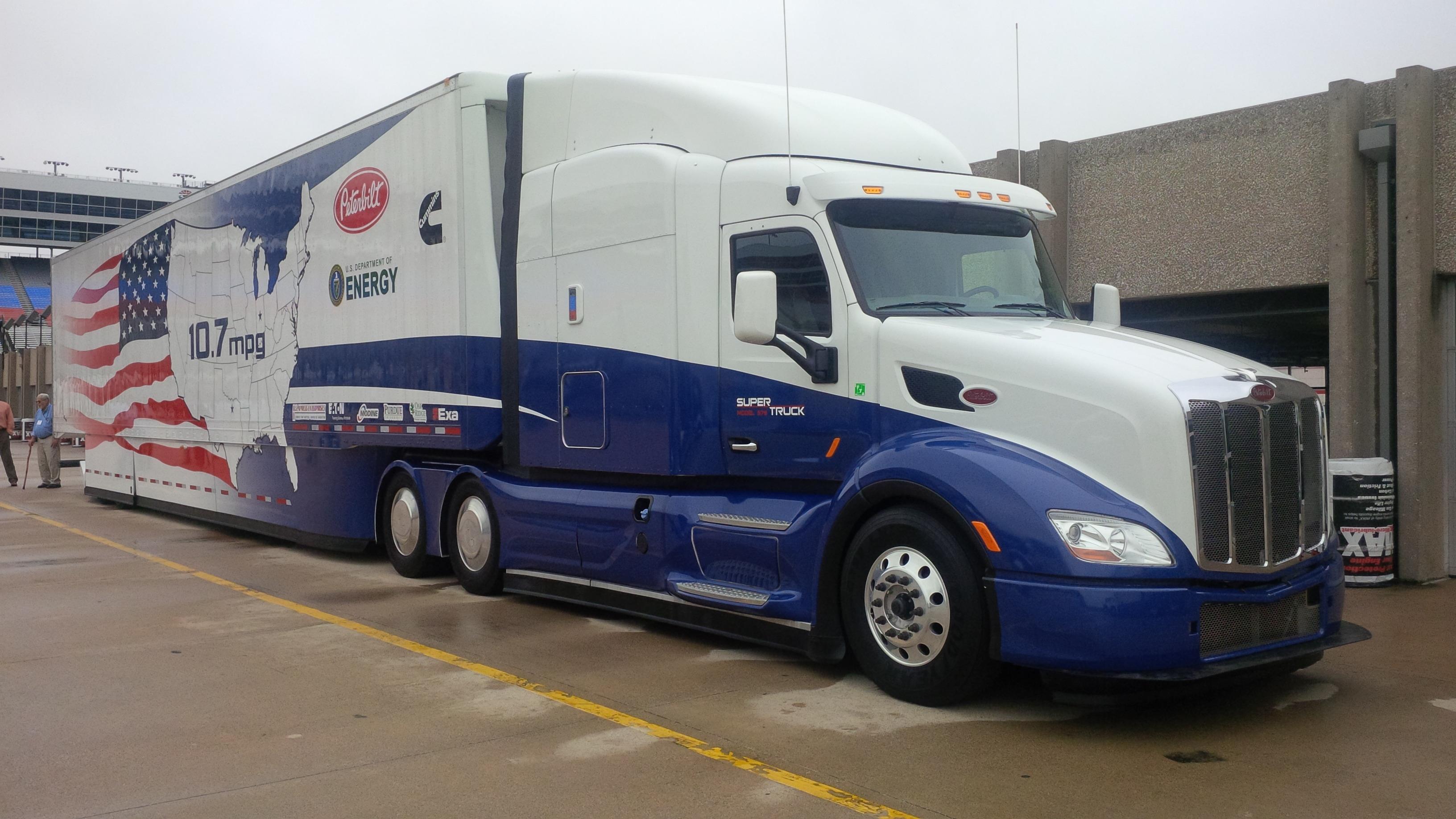 Truck Cab Inside >> Peterbilt showcases latest technologies - Truck News
