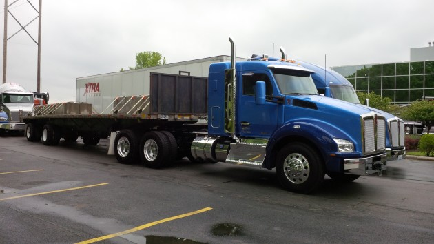 The Kenworth T880 with 40-inch bunk.