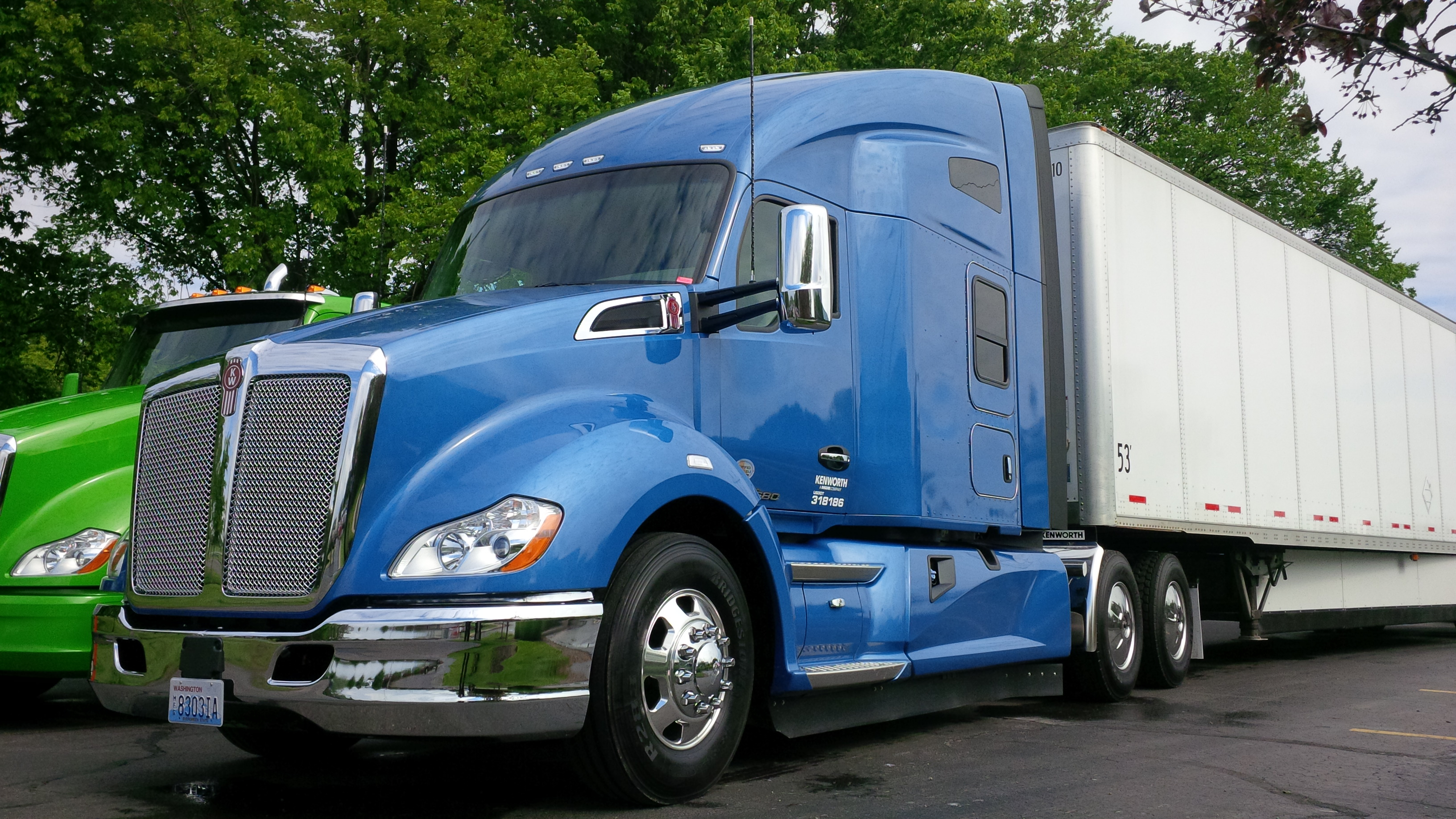 Driving the Kenworth T...