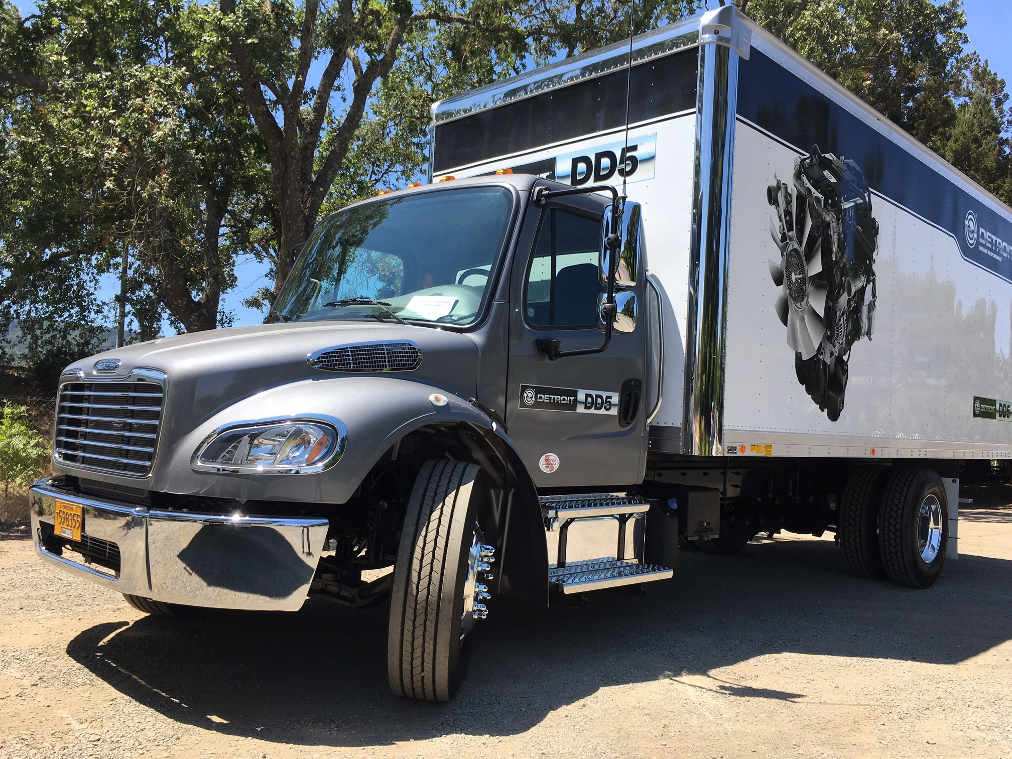We drove this DD5-equipped Freightliner M2 106.