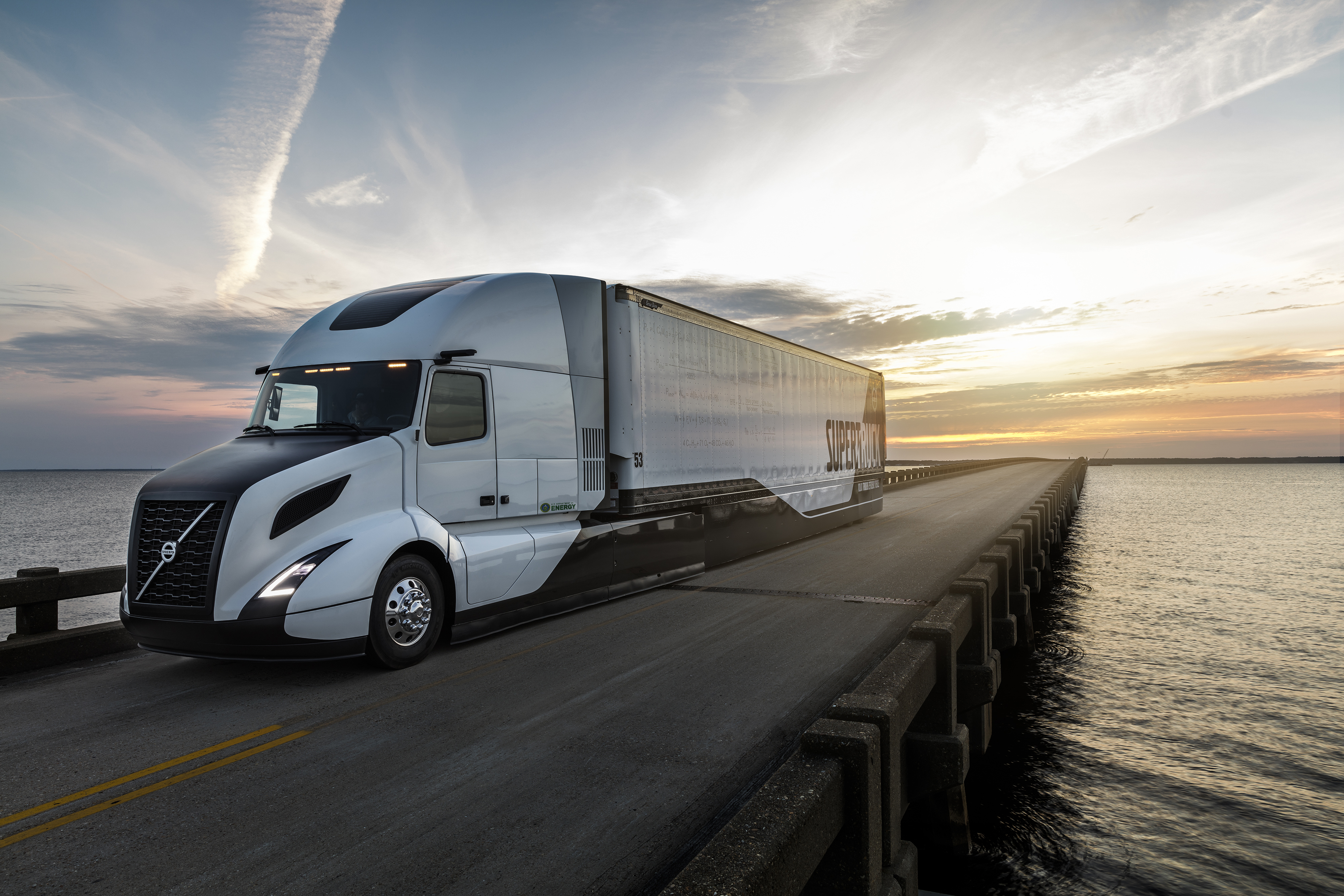 Volvo hits 13 mpg with SuperTruck - Truck News