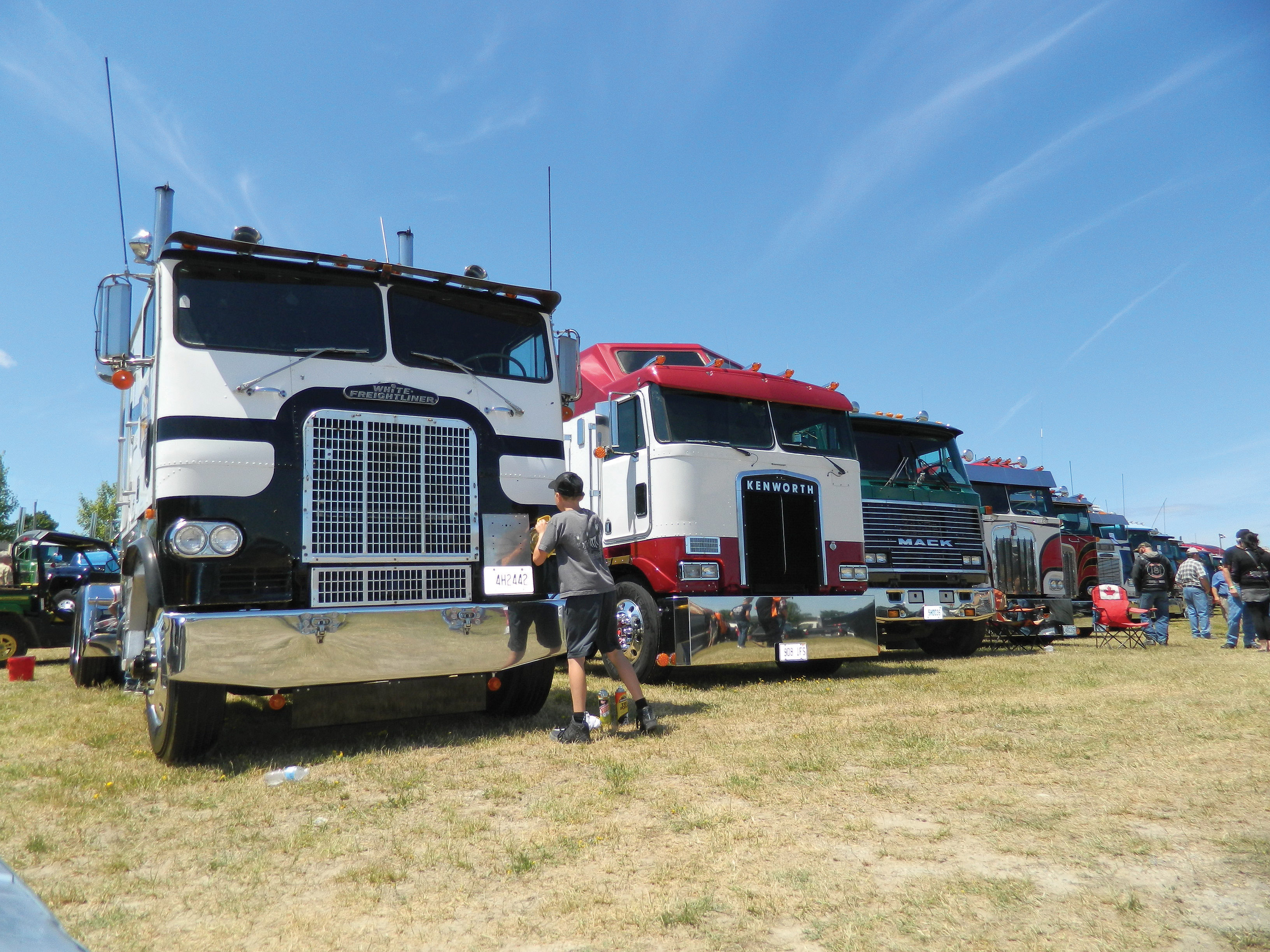 Not sure which truck show is for you not to worry we ve rounded up the essential truck shows for big rig lovers of every type so you can decide which one