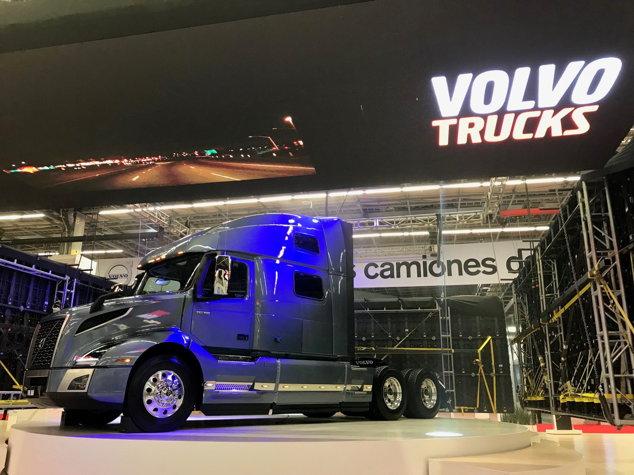 Volvo Trucks Canada >> Volvo Announces 2018 Forecast Expands Product Line In Mexico