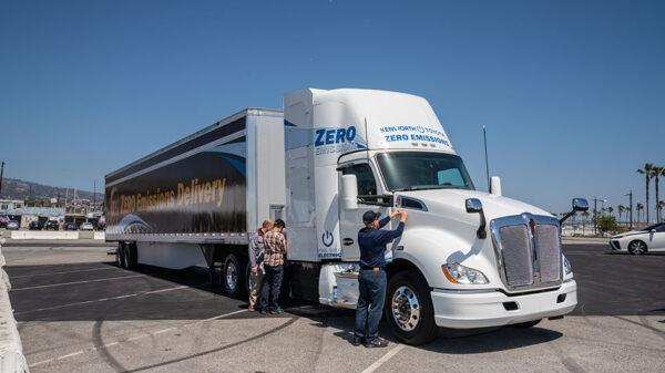 Zero-emissions truck