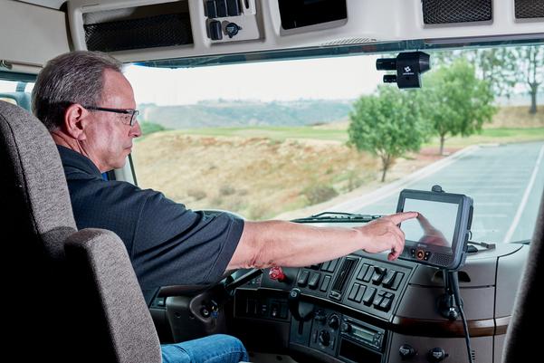 www.trucknews.com