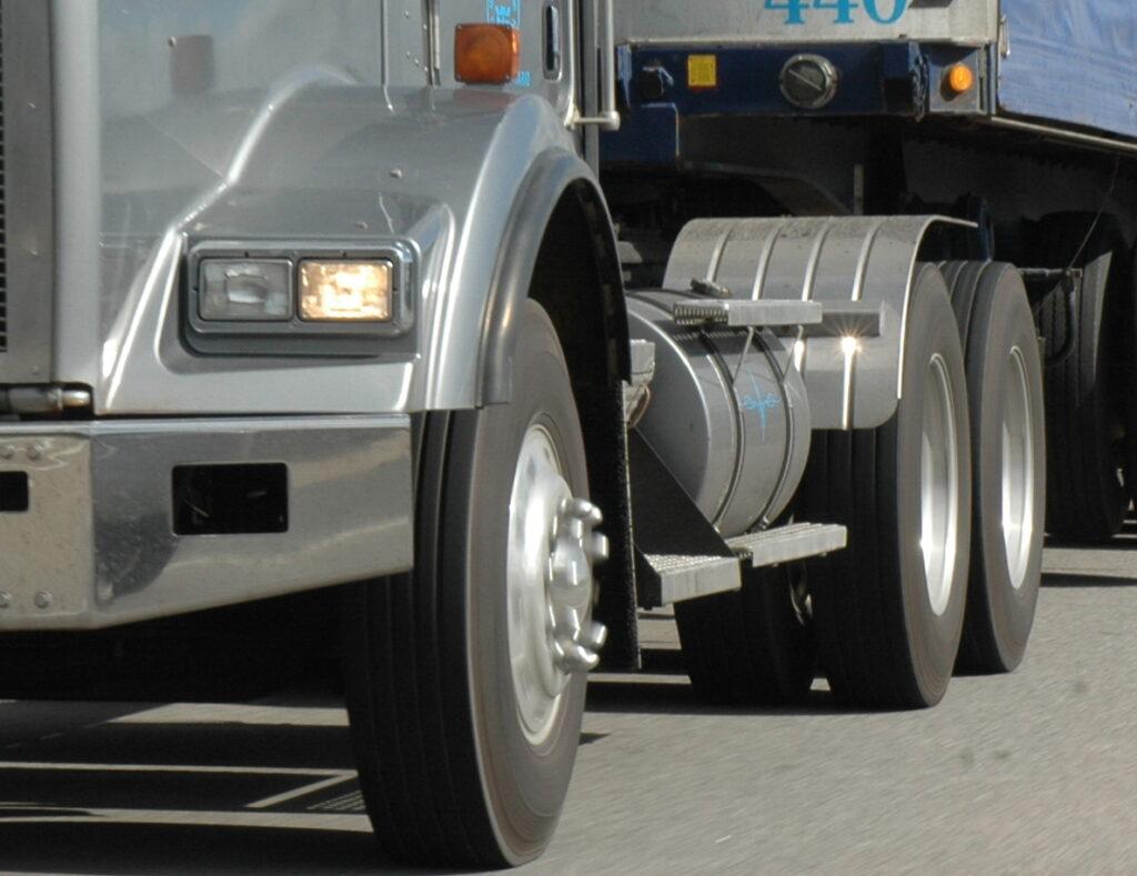 axle weight aero truck
