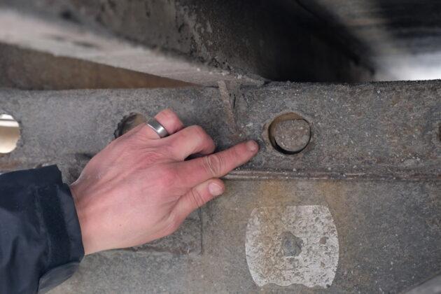 slider locking pins
