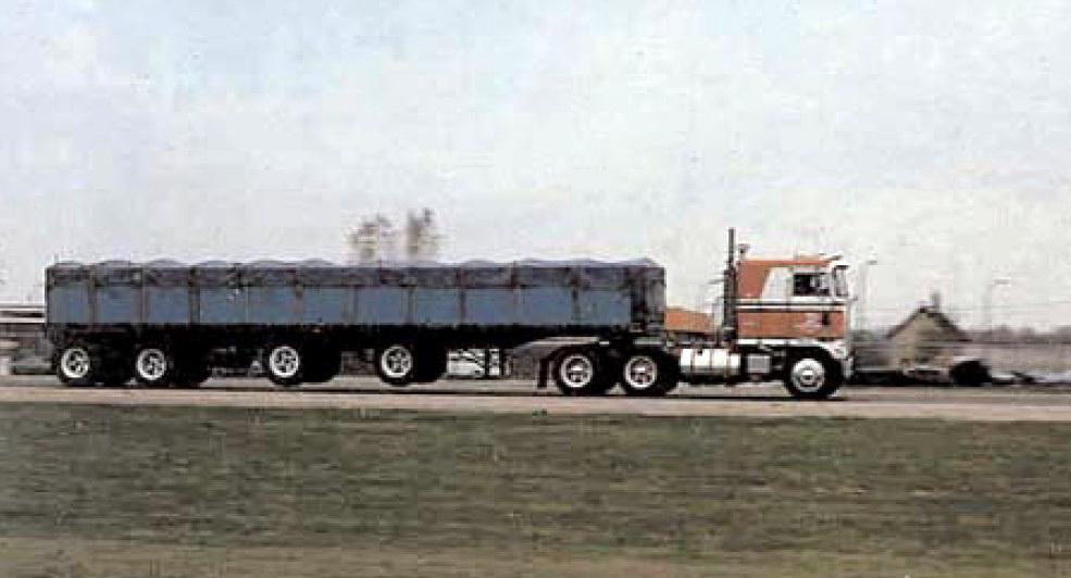 four-axle semi-trailer