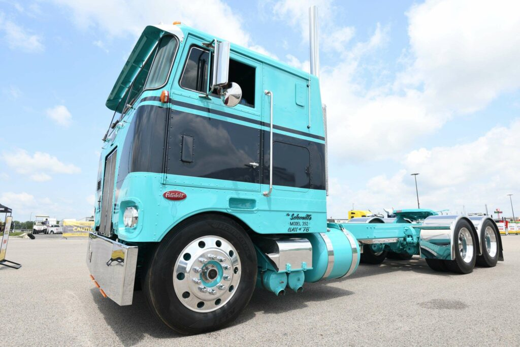 SuperRigs cabover