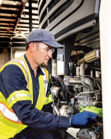 Carrier Transicold technician