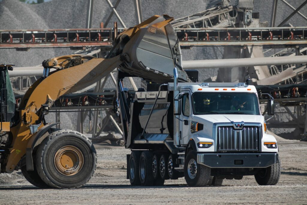 Showing the new Western Star 47X